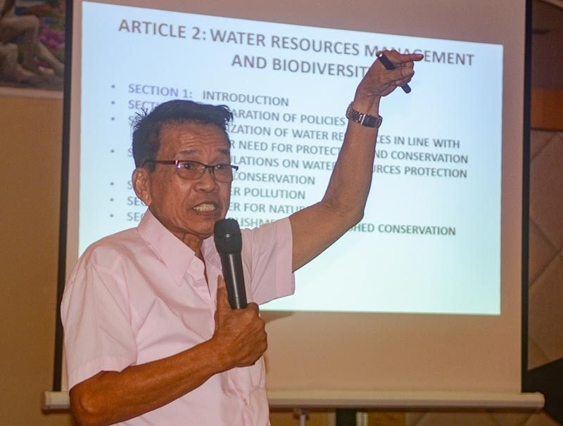 WATER WOES. Provincial Water Resources Authority executive director Edgar Sibonga presents the draft water code for Cebu Province, which includes provisions for the creation of watershed conservation areas and action plans in the event of a water crisis. (SunStar photo /Arni Aclao)