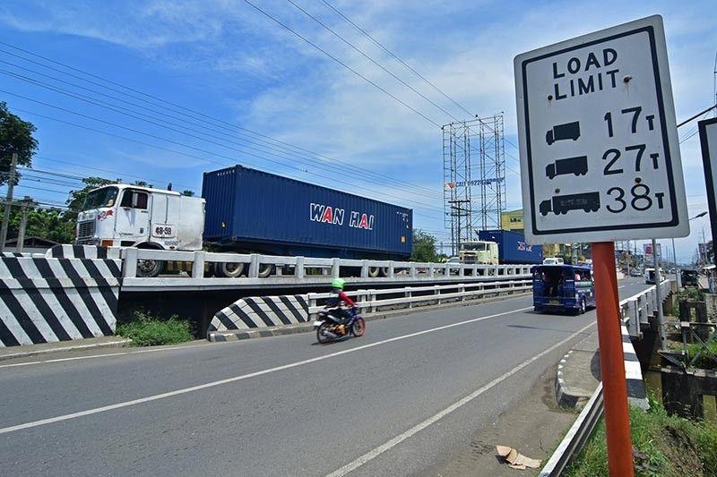DAVAO. The Talomo 2 Bridge will undergo repair for three months, said the DPWH. (Macky Lim)