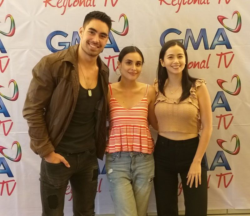 BACOLOD. (From left) Kapuso stars Clint Bondad, Max Collins and Sophie Albert during the press conference at Planta Hotel prior to their Kapuso Fiesta show at Panaad Park and Stadium in Bacolod City on Monday, April 8. (Erwin P. Nicavera)
