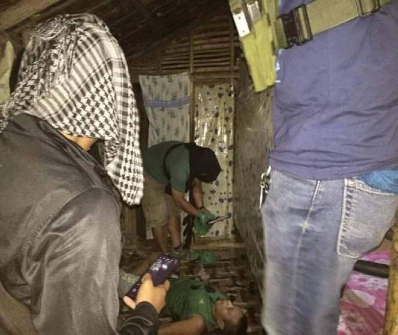 'MISUKOL': Nagbuy-od ang lawas ni Noel Flores, 33, human giingong nisukol sa mga pulis dihang gi-raid ang iyang balay. (tampo sa CIDG)