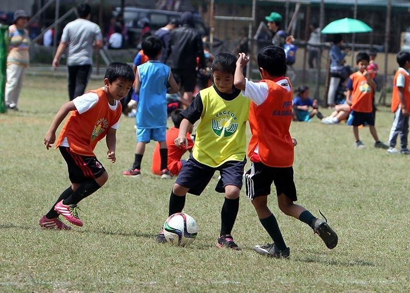 BAGUIO. With the growing popularity of football and futsal in the country, more and more children join skills training and competition all over Benguet as Cordillera Football Association continue to conduct clinics and monthly tournaments. (Photo by Roderick Osis)