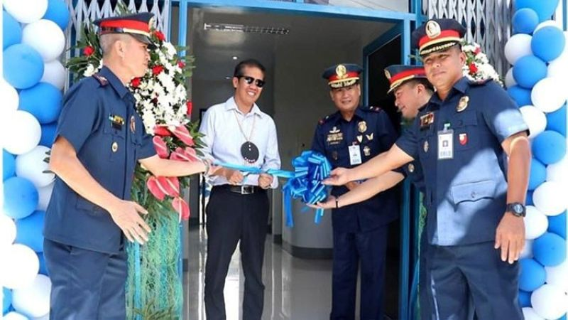 "TACLOBAN. Eastern Visayas Police Director Dionardo Carlos (3rd from right) leads the inauguration, blessing and turnover ceremony of the standard type ""B/C"" Philippine National Police building in Barangay Abucay, Tacloban City on April 10, 2019. (Contributed photo)"