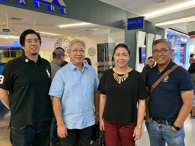 DAVAO. Philippine Eagle Foundation (PEF) trustees Miggy Gonzales and Francis Ledesma, Department of Tourism-Davao Region director Tanya Tan & PEF executive director Dennis Salvador at the Davao premier of Bird of Prey at SM Lanang Cinema. (Jinggoy I. Salvador)