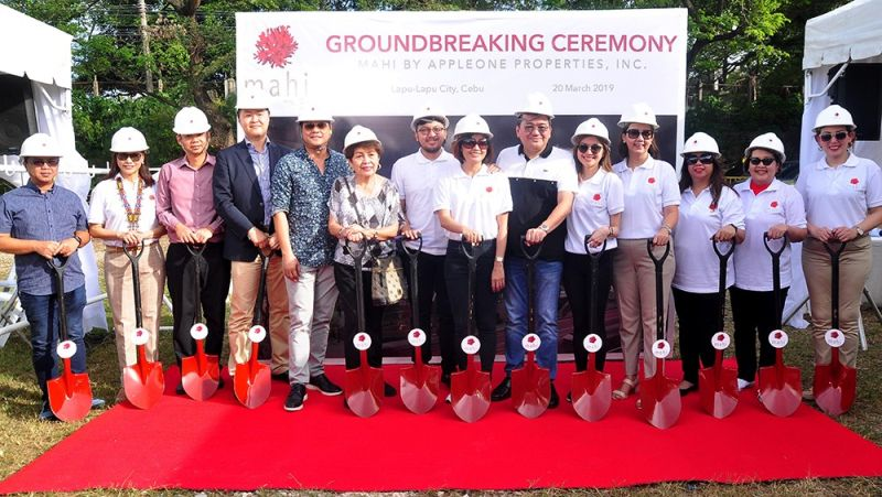VIP. Clifford Garcia (real estate head-Vismin at Vicsal Development Corp.), Dottie Wurgler-Cronin (general manager of Sheraton Resort Mactan), Beng Kian (director project management Global Design Asia Pacific, Marriott International), Steve Baek (senior director of Hotel Development Asia Pacific, Marriott International), Hembler Mendoza (Chief Tourism Officer Lapu-Lapu City), Dawnie Roa (former Department of Tourism regional director), Patrick Manigsaca (assistant vice president for business development, AppleOne Properties Inc.), Venus Manigsaca (chairperson/vice president, API), Ray Manigsaca (president/chief executive officer, API), Samantha Manigsaca, Barbara Cabo (senior vice president for sales and marketing, API), Antonette Barriga (assistant vice president for operations and engineering, API), Lilibeth Cunanan (corporate secretary, API), Ria Ledesma (assistant vice president for external affairs, API).