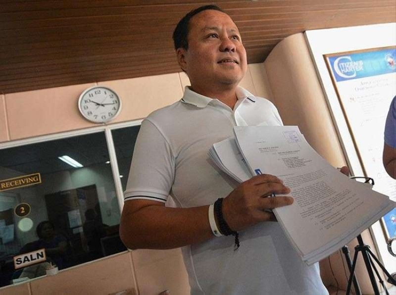 CEBU. Third District congressional aspirant Pablo John Garcia files on March 12, a request before the Office of the Ombudsman-Visayas to investigate Toledo City Mayor John Henry Osmeña and others for what he views as plunder of public funds in Toledo City's Clean and Green Program. Two weeks after, the anti-graft office granted Garcia's request to investigate Osmeña. (SunStar file photo)
