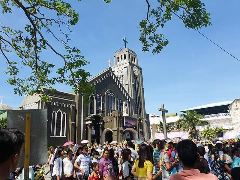 CAGAYAN DE ORO. Palm Sunday at the City Cathedral. The Philippine National Police has gone on a high security alert to ensure the safety of the general public this Holy Week and the rest of the summer period. (SunStar Super Balita Photo)