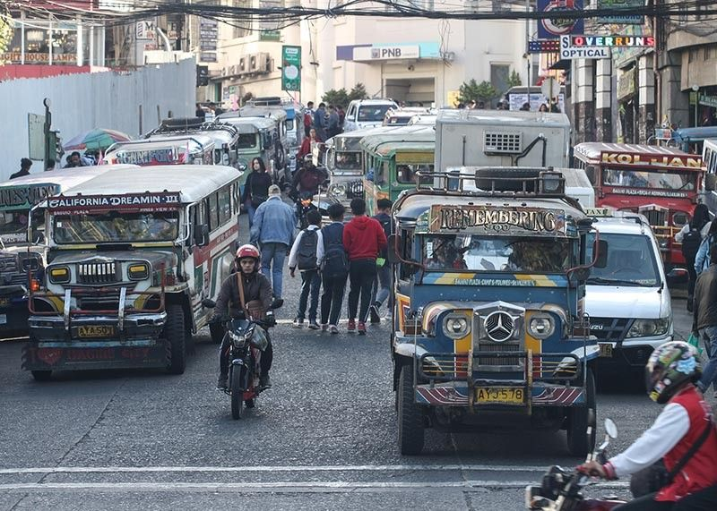 BENGUET. With the expected influx of tourists during Holy Week, officials of Baguio City and nearby La Trinidad, Benguet are pushing for the use of local public transport to avoid traffic congestion. (Photo by Jean Nicole Cortes)