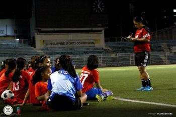 "THAILAND. Si Philippines U15 Girls National team head coach Rachelle ""Ching"" delos Reyes sa Davao City manguna sa Manila tryouts alang sa tim nga motigi sa Asean Football Federation (AFF) U15 Girls' Championship 2019 karong Mayo 9 ngadto 22 sa Chonburi, Thailand. (Mia Montayre/PFF/Pinay Futbol)"