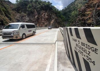 BENGUET. The newly-constructed concrete bridge at Camp 5, Tuba on Kennon Road opened Sunday, April 14, to motorists to ease congestion in the area. (Photo by Jean Nicole Cortes)
