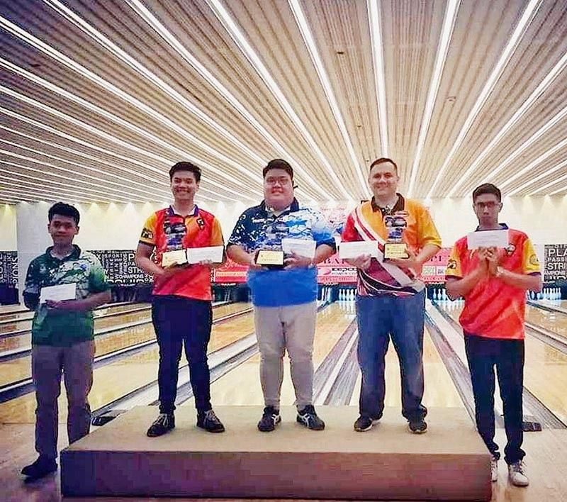 TOP BOWLERS. Jake Yap (center) poses for a photo with his fellow winners in the inaugural STBAI National Open. (Contributed photo)