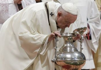 VATICAN. Pope Francis blows inside an amphora containing holy oil during a Chrism Mass inside St. Peter's Basilica, at the Vatican, Thursday, April 18, 2019. During the Mass the Pontiff blesses a token amount of oil that will be used to administer the sacraments for the year. (AP)