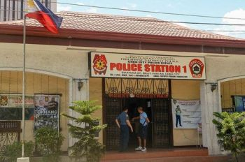 SUGBO. English teacher sa usa ka dakong unibersidad ang gidakop sa Parian Police Station sa Cebu City Police Office human naaktohan sa mga pulis nga nakig-oral-sex sa iyang 17-anyos nga estudyante sulod sa usa ka lodge sa Dalan Colon. (File Photo)