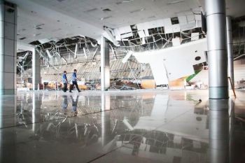 PAMPANGA. Part of the ceiling of the Clark International Airport passenger terminal building collapsed after Monday's 6.1 magnitude earthquake that rocked a big part of Luzon. (Photo courtesy of CIAC-CCO)