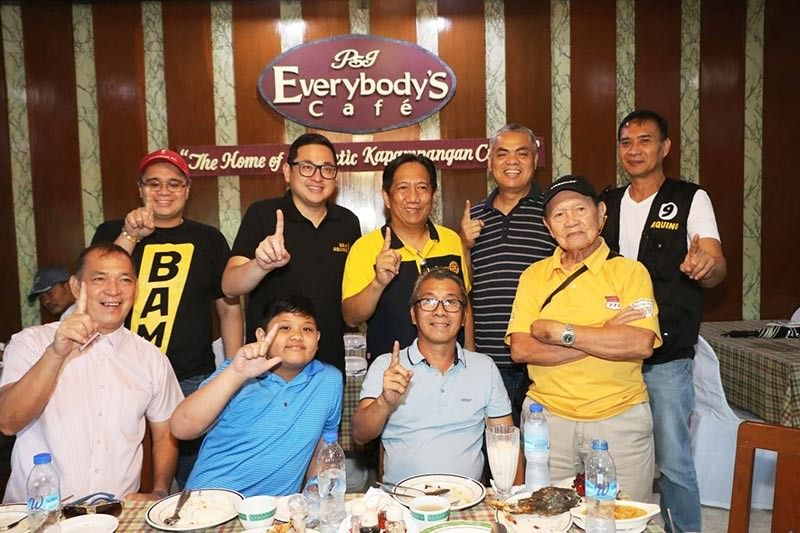 PAMPANGA. Otso Diretso re-electionist Senator Bam Aquino meets with former City Administrator Fer Caylao and other supporters at the Everybody's Cafe, City of San Fernando, Pampanga, Wednesday, April 24, 2019. (Chris Navarro)