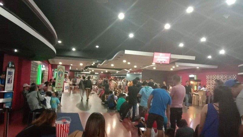 "CEBU. Moviegoers flock at the SM City Cebu to watch  the highly anticipated Marvel blockbuster ""Avengers: Endgame,"" Wednesday, April 24. (Johanna  Bajenting)"