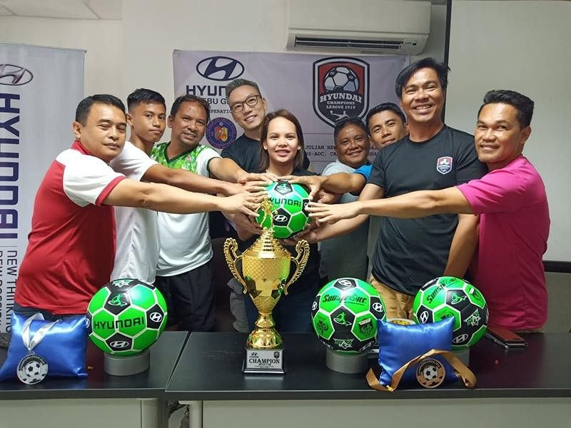 TEAMWORK. Organizers of the Hyundai Cup Champions League, which is now on its third year, hope their event will still get bigger. (SunStar photo / Richiel S. Chavez)