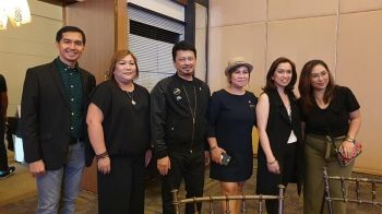 BACOLOD. Paul Parrocho, owner of Shine Beauty Access Trading, Mate Espina, media practitioner, power couple Jude Hipolito and Rose Velasco, L'oreal Philippines Ambassadors, Sharon Parrocho, owner of Shine Beauty Access Trading and Mea Pabiona, member of the Negros blogger at the Hair Show. (Photo by Carla N. Canet)