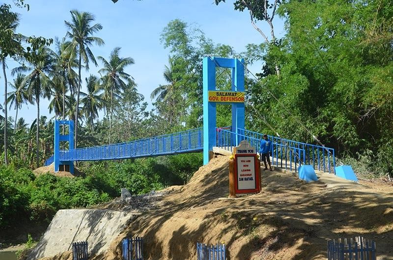 ILOILO. The 42-meter hanging steel footbridge in Barangay San Rafael, Tigbauan that was inaugurated by Governor Arthur Defensor Sr. on April 26, 2019. (Contributed photo)