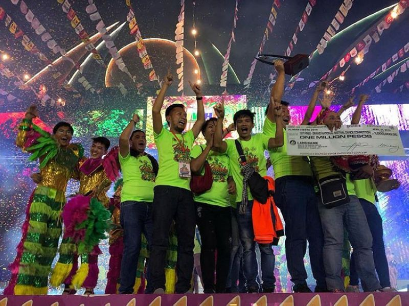MANILA. Tanauan Pasaka Festival contingent receives the grand prize on festival dance category during the 2019 Aliwan Fiesta in Manila on April 27. (Photo courtesy of Aliwan Fiesta)