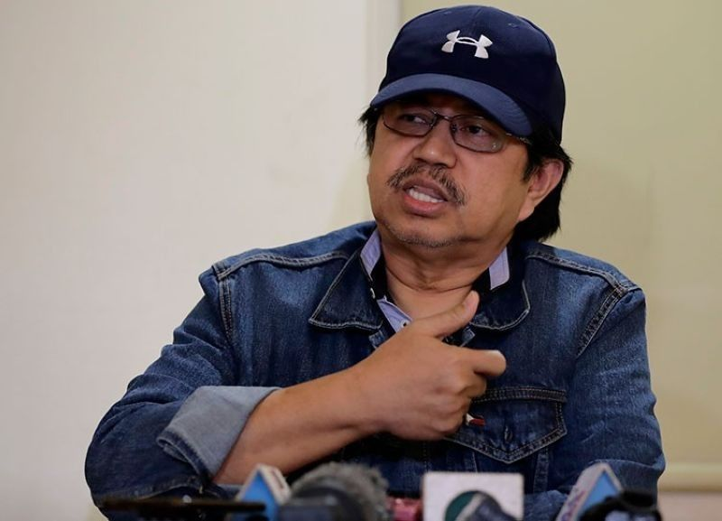 MANILA. In this March 24, 2019 photo, former Police Senior Superintendent Eduardo Acierto gestures during a clandestine news conference for the first time with a select group of journalists in Manila. (AP)