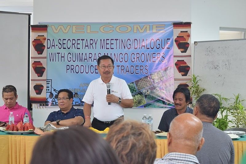 GUIMARAS. Department of Agriculture (DA) Secretary Emmanuel F. Piñol in a DA Mancom-wide meeting held at Andana Resort in Poblacion, Nueva Valencia, Guimaras. (Contributed photo)