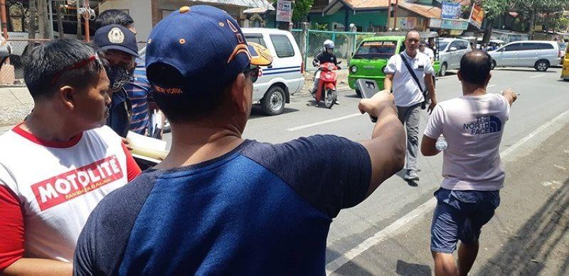 SUGBO. Ang Lapu-Lapu City Police Office nga gipangulohan ni Police Colonel Limuel Obon nipahigayon og 'walk through' sa area diin nahitabo ang pagpusil sa supporter ni mayoralty candidate Junard