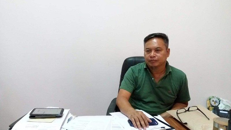 CEBU. Department of Interior and Local Government  Cebu Director Jerome Gonzales said he served the  90-day preventive suspension order against Dumanjug Mayor Efren Guntrano Gica on Thursday, May 2. (Rona Fernandez)