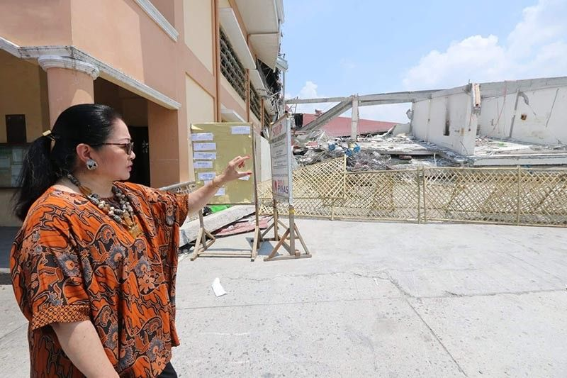 PAMPANGA. Former senator Nikki Coseteng hinted that steel bars used in the construction of Chuzon Supermarket in Porac town may be of