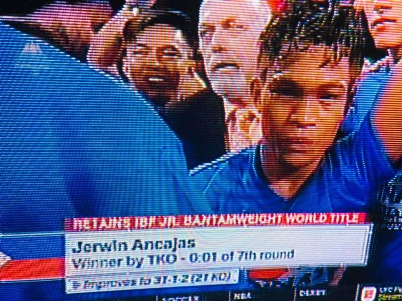 Pabiling International Boxing Federation Super Flyweight 115-lb Champion ang garbo sa Panabo, Davao del Norte nga si Jerwin Ancajas human mi-TKO7 sa Japanese challenger nga si Ryuichi Funai. (Contributed photo)
