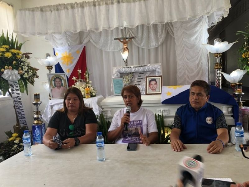 NEGROS. (From left) La Castellana Mayor Rhumyla Manguilimutan, Moises Padilla Vice Mayor Ella Garcia-Yulo and Isabela Mayor Joselito Malabor in a press conference Sunday, May 5, at the wake of SB member Jose Antonio Garcia. (Contributed Photo)