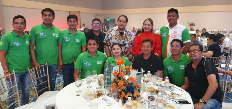 "Pampanga gubernatorial candidate VG Dennis ""Delta"" Pineda celebrates his birthday with Board Member Fritzie David Dizon, Porac Mayoralty candidate VM Dexter Albert David, his running mate Raf Canlapan and re-electionist and aspiring councilors. Taken at Royce Hotel, Clark Freeport Zone. (Chris Navarro)"