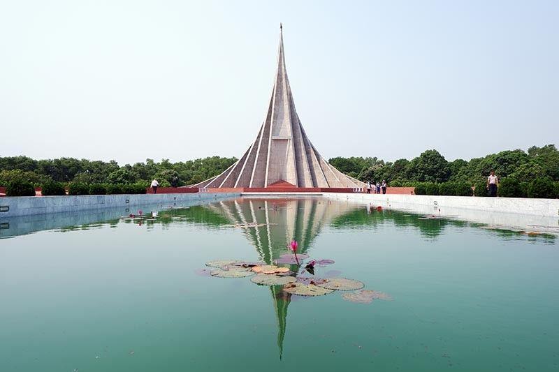 BANGLADESH. National Martyr's Memorial in Savar. (Jinggoy I. Salvador)