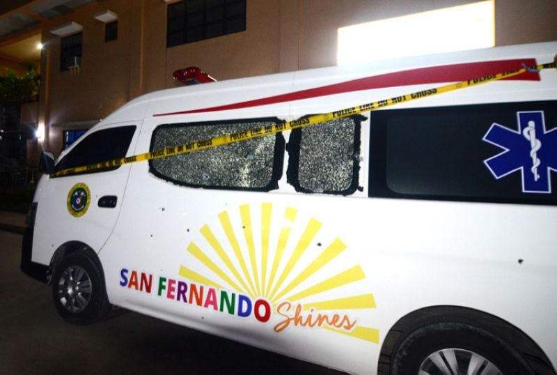 CEBU. Police are still conducting further investigation to determine who are the persons allegedly involved in the strafing of an ambulance owned by the San Fernando municipal government last Monday night, May 6. The ambulance was reportedly returning to San Fernando after delivering a patient to Cebu City when they were ambushed by armed men onboard a white in Barangay Inoburan, City of Naga. Of the four persons inside the van, only the driver was hurt. (SunStar photo/ Alan Tangcawan)
