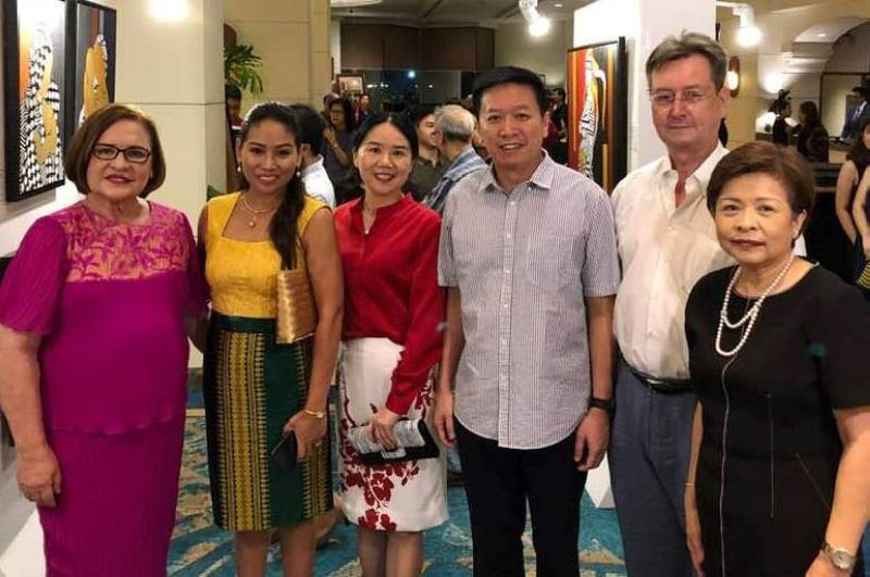 DAVAO. (From left) Elizabeth Zimmerman, Danna Advincula-Faistauer, Aiping Chiu, Chinese Consul General Li Lin, Honorary Consul of Austria for Mindanao Dr. Peter Faistauer, and Gene Bangayan