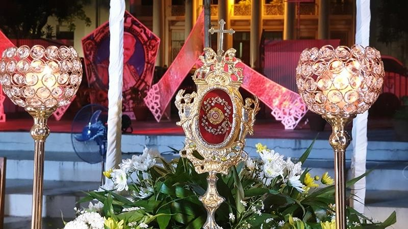 The blood relic of Saint John Paul II arrives in Bacolod City and a mass was offered for His holy presence held at the Provincial Capitol Park on May 11. (Photo by Carla N. Cañet)