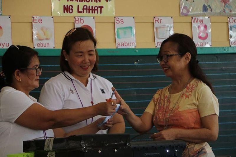 PAMPANGA. House Speaker Gloria Macapagal-Arroyo cast her vote in Lubao, Pampanga Monday, May 13, 2019. (Chris Navarro)