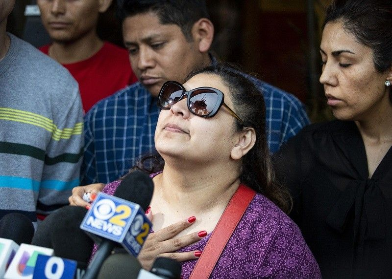 USA. Surrounded by family members and supporters, Marlen Ochoa-Lopez's mother, Raquel Uriostegui, talks to reporters outside the Cook County medical examiner's office after identifying her daughter's body, Thursday, May 16, 2019 in Chicago. (AP)