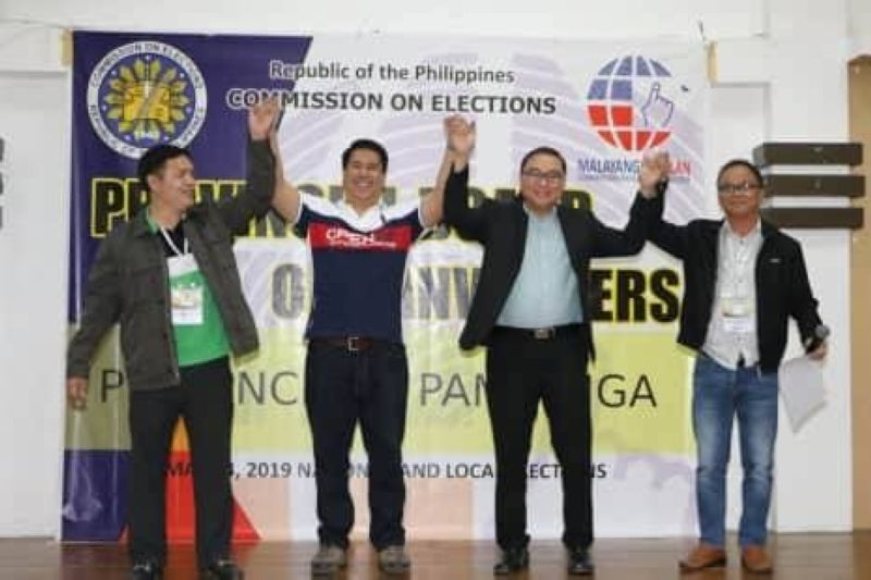 "PAMPANGA. Re-elected 1st District Congressman Carmelo ""Jon"" Lazatin II (PDP Laban), (Upper R) 2nd District Congressman-elect Juan Miguel ""Mikey"" Arroyo (Lakas), unopposed re-elected 3rd District Congressman Aurelio ""Dong"" Gonzales Jr. (PDP-Laban) and re-elected 4th District Rep. Juan Pablo ""Rimpy"" P. Bondoc are proclaimed by the Provincial Board of Canvassers as winners. With them are Provincial Board of Canvassers Chairman Atty. Fernando Cot-Om; Vice Chairman Atty. Lamberto Gonzales Jr. and Secretary Leonardo Zapanta. (Photo by Chris Navarro)"