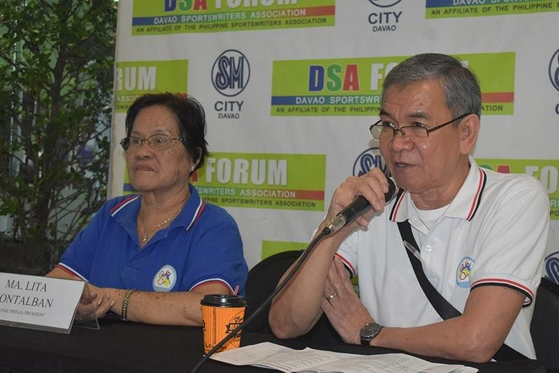 "DAVAO. National Private Schools Athletic Association (Prisaa) secretary general Laureano ""Boy"" Santos, right, bares the rich history of the organization since it was founded in 1953 and revived in 1991 during the Davao Sportswriters Association (DSA) Forum at The Annex of SM City Davao, May 16. (Seth Delos Reyes/SDD-CMO/DSA)"