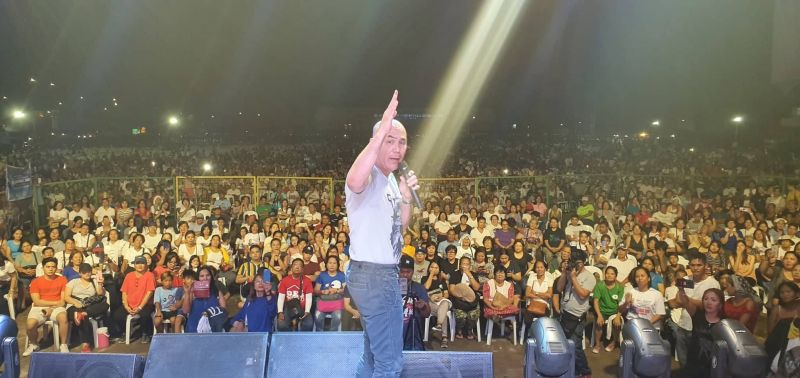 PAMPANGA. Reelected Mabalacat City Mayor Cris Garbo vows to continue his programs on health, social services and others, during a victory party with his Team MCG in Barangay Mabiga Saturday night, May 18, 2019. (Chris Navarro)