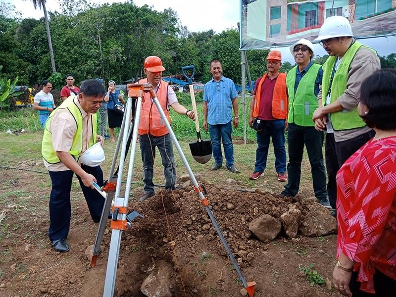DAVAO. Groundbreaking ceremony of the Agriculture and Fishery Postharvest and Mechanization Learning Center in Tugbok District with officials from the Department of Agriculture and Bureau of Fisheries and Aquatic Resources Davao on Friday, May 17, 2019. (Lyka Casamayor)