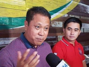 PAMPANGA. Comebacking Candaba Mayor Rene Maglanque and runningmate Vice Mayor Michael Sagum present their plans and programs for the people of Candaba during the lunch briefing Wednesday, December 12. (Chris Navarro)