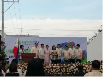 PAMPANGA. The executive committee of GreenCity Medical Center presents Vice President Leni Robredo a plaque of appreciation for serving as a speaker during its inauguration. (Contributed photo)