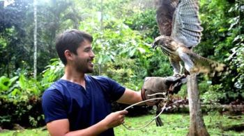 MANILA. Atom Araullo gives viewers a bird's-eye view on the problem about the country's endangered bird species this Sunday, May 26, 2019. (Contributed photo)