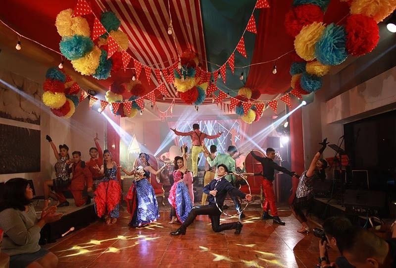 Siningtala Dance Company in their colorful carnival production performance. (Photo courtesy of Seda Abreeza)