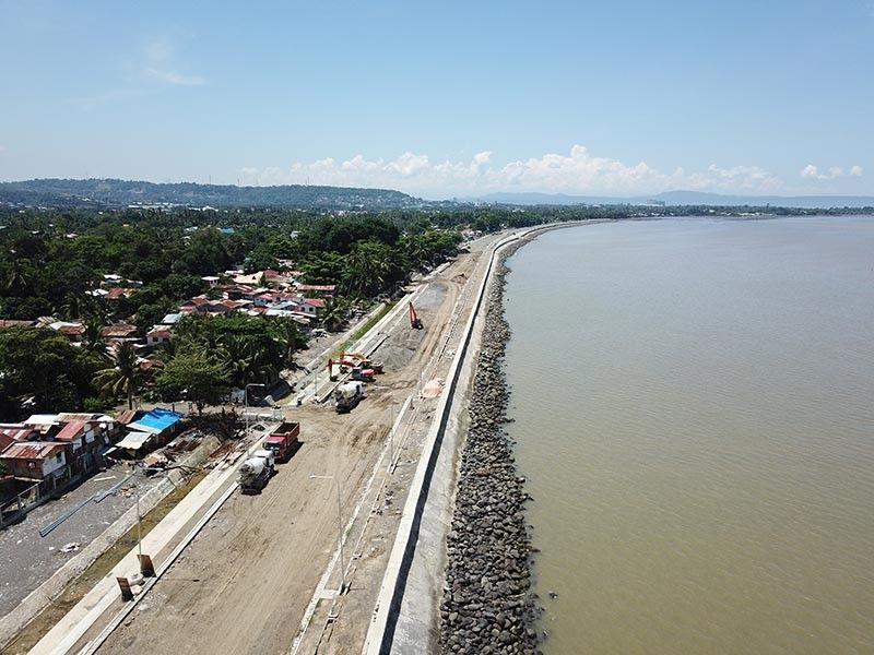 DAVAO. The overall completion of the 18.20-kilometer Davao City Coastal Bypass Road Project of the Department of Public Works and Highways (DPWH) is already at 43.87 percent as of April 30 this year. (Mark Perandos)