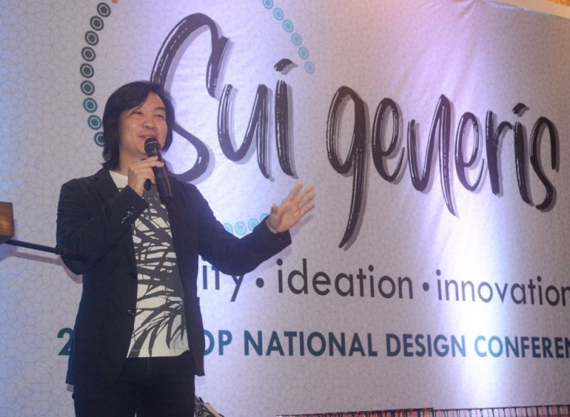 CEBU. Multi-awarded Cebuano designer, Kenneth Cobonpue, a keynote speaker gave a talk to encourage designers in setting trends for Filipinos to soar in the global market. (Arni Aclao)