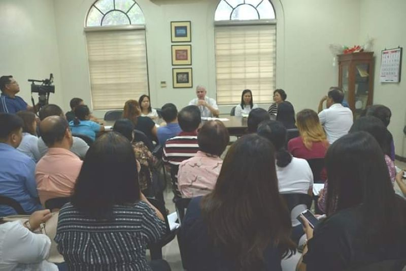 BACOLOD. Meeting with the department heads of the transition teams. (Photo by RM)