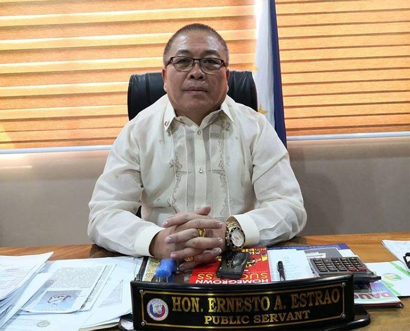 NEGROS. Hinoba-an Mayor Ernesto Estrao. (Photo from Estrao's Facebook account)