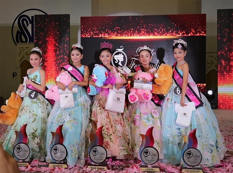 PAMPANGA. The winners of Little Miss Fernandina 2019 pose after being crowned on May 25, 2019 at SM City Pampanga: (L-R) Princess Janine Gozun of Quebiawan - Little Miss Fernandina Child Rights and Social Welfare (fourth runner-up); Pauline Dein Nichollie Pascua of Sto. Niño - Little Miss Fernandina Environment (second runner-up); Fatimah Ahlecka Vargas of Sindalan, Little Miss Fernandina 2019; Amanda Louise Miranda of Maimpis, Little Miss Fernandina Tourism (first runner-up); and Jhanna Mae David of San Nicolas, Little Miss Fernandina Health and Wellness (third runner-up). (Contributed photo)